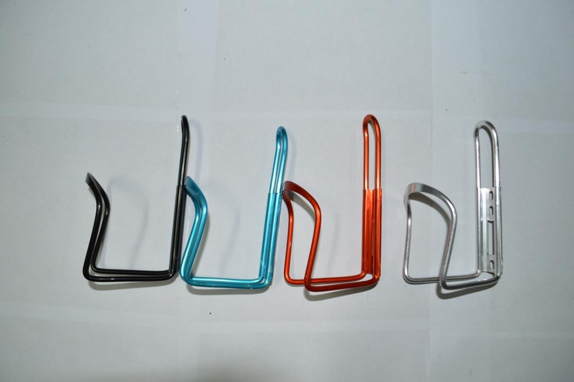 Флягодержатель алюминиевый цветной SH-002, код 40123